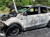 Recalled Ford explodes on highway, couple luckily escape