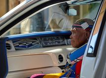 Take a look at the exquisite interior of this one-off Rolls Royce Phantom painted by 84 year-old SA artist