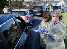 COVID-19: Automakers in North America shut down plants