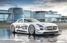 Continental offers a safety technology show at Mercedes-Benz World