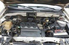 Ford Escape 2004.