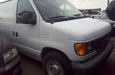 2004 Ford E-150 in good condition for sale