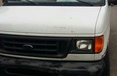 Ford E250 1998 in good condition for sale