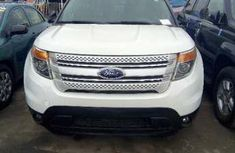 Clean used Ford Explorer 2011 White For Sale