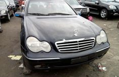 Almost brand new Mercedes-Benz C200 For Sale