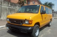 No issue Ford E-350 2005 for sale