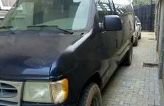 Ford E-350 2002 at good price for sale