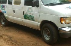 Ford E350 2004 in good condition for sale