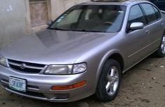Nissan Maxima 1999 Gold