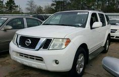 2010 A very clean sharp Nissan Pathfinder for sale