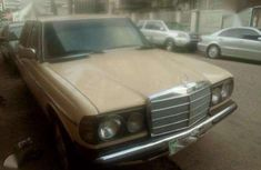 Mercedes benz 200 Super Clean