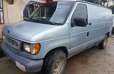 Ford E250 2000