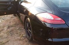 Well maintained Porsche Panamera 4S 2012 for sale