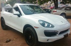 Neatly Used Porsche Cayenne 2012