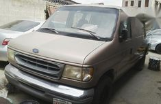 Used Ford Econoline 2002 gold for sale