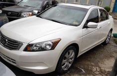 Tokunbo Honda accord 2009 white for sale