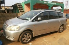 Toyota Avensis Verso 2002 Silver for sale
