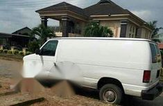 Well Maintained Ford E-250 2001 for sale