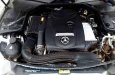 Mercedes-Benz C300. (2016) Toks