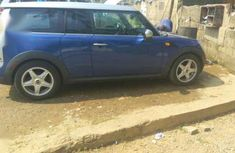 Foreign use Mini Cooper, 3 doors with 6 gears.