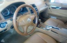 2009 Benz c300 few months used