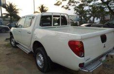 Mitsubishi L200 2010 White