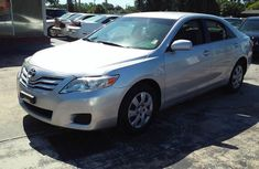 TOYOYA CAMRY 2010 Silver for sale