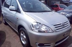 2004 Toyota Avensis in good condition for sale
