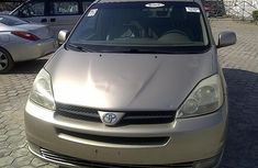 Toyota Sienna 2003 van for sale