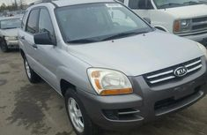 Working perfectly KIA SPORTAGE 2008 model silver for sale