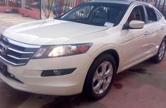 Clean Neat Honda Accord CrossTour 2011 White for sale