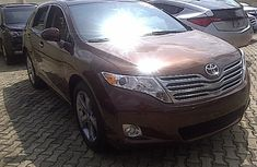 Clean Toyota Venza 2010 Brown for sale in good condition