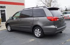 2004 Clean Toyota sienna for ale