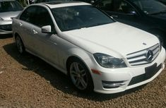 Mercedes Benz c300 white 2008 for sale