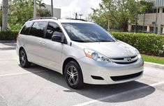 2010 Clean Toyota sienna for sale