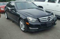 Mercedes Benz C300 black 2011
