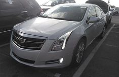Cadillac XTS 2007 White for sale