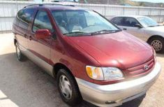 Foreign used Toyota Sienna 2006 red for sale