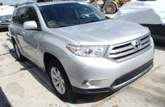 Foreign used Toyota Highlander 2010 silver for sale