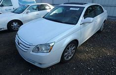 Foreign used Toyota Avalon 2006 white for sale