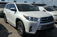 Toyota Highlander 2017 White for sale