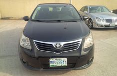 2010 Clean Toyota avensis for sale
