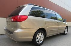 2005 Toyota sienna gold FOR SALE