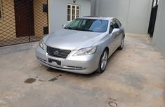 Lexus es350 2010 sliver color for sale