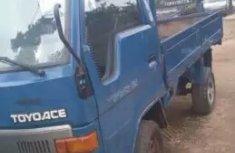 Nigeria used Toyota Dyna truck 2000