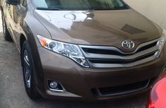 Charming clean 2012 Toyota Venza Limited for sale