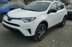 Toyota Rav4 2017 White for sale