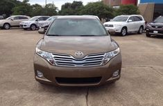 Toyota venza 2014 model Brown for sale