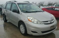 2014 Toyota SIENNA XLE Silver for sale