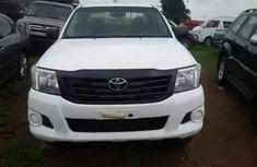 TOKUNBO TOYOTA HILUX 2012 WHITE FOR SALE.